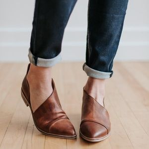 FREE PEOPLE 'Royale' Pointy Toe Flat Leather